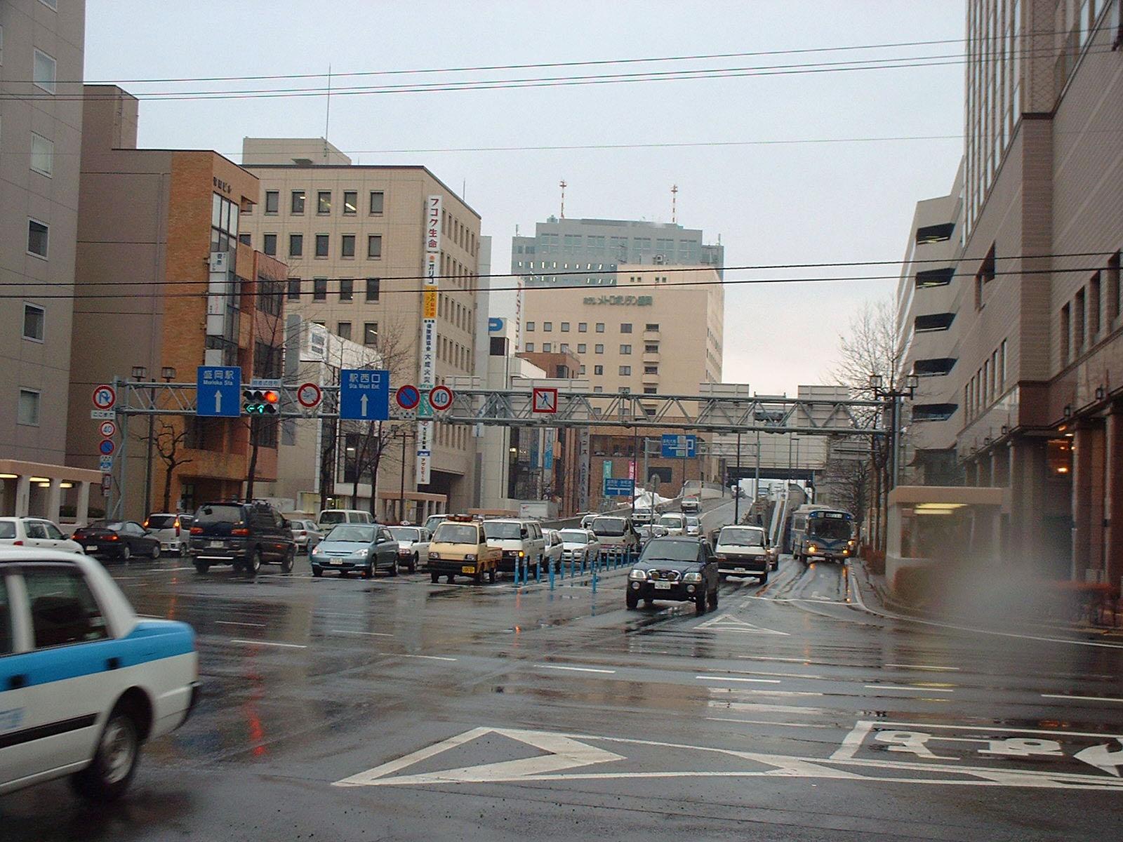 盛岡駅西口への道