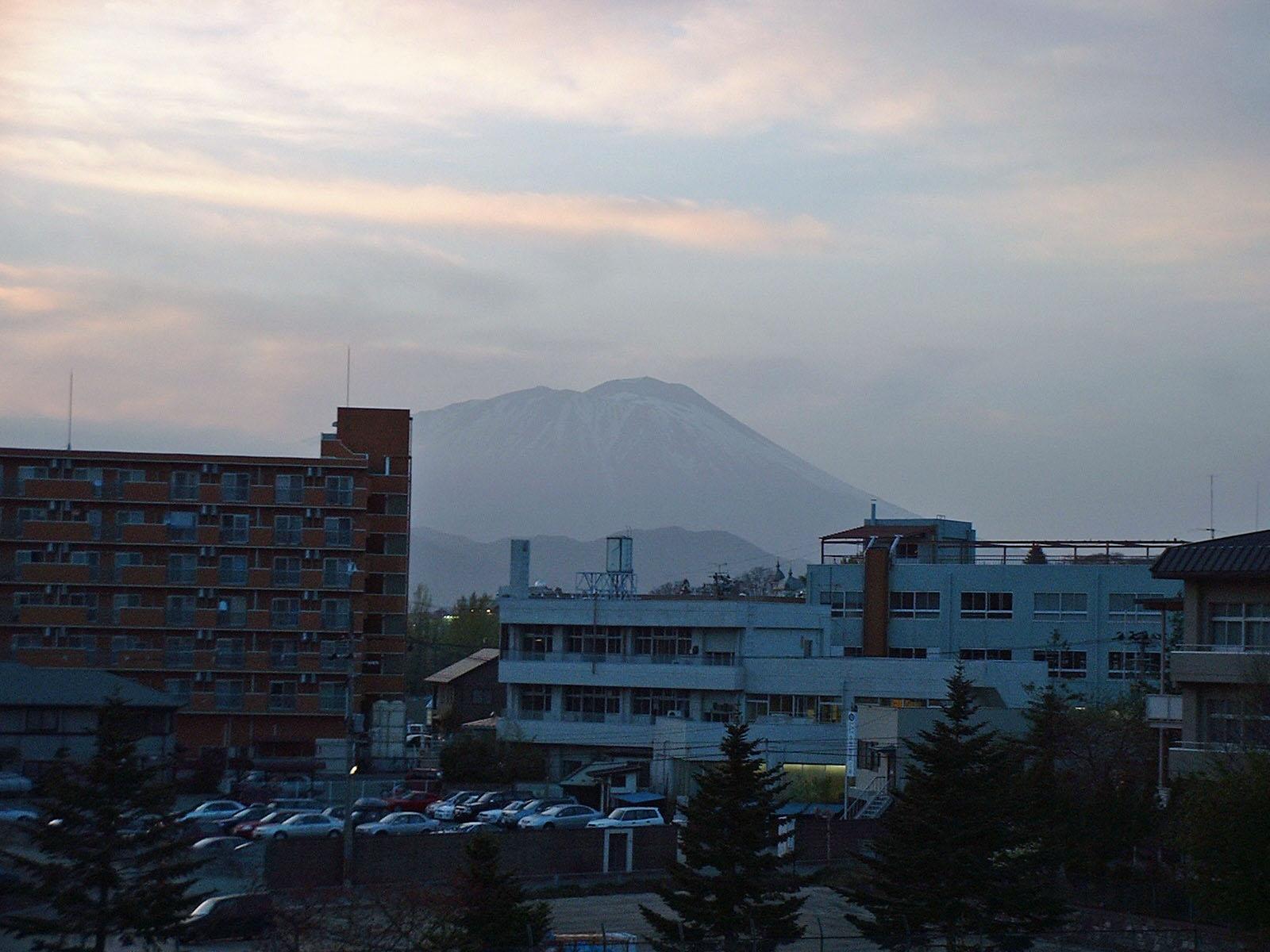 夕方の岩手山