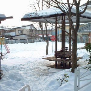 防火水槽も雪の中