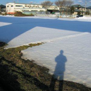 2003年02月トップ画像 05 残り雪に影写し