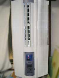 購入した窓用エアコン