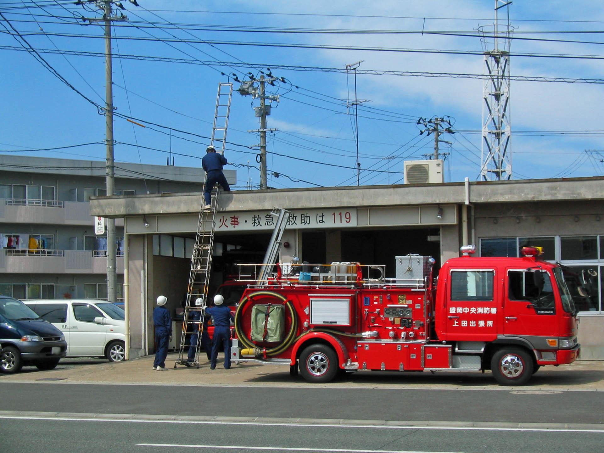 消防士さん訓練中