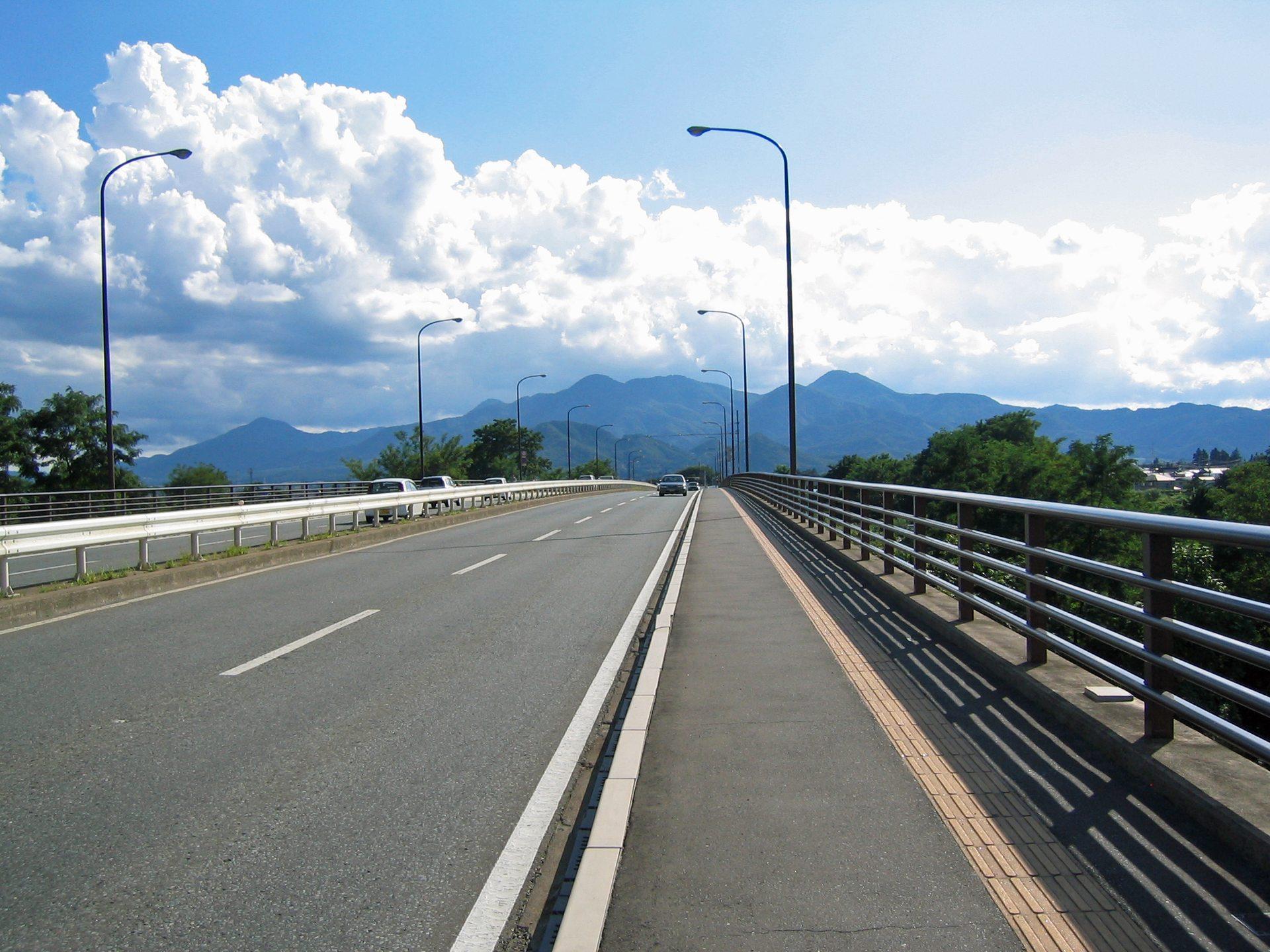 道の先が見えないワクワク@太田橋