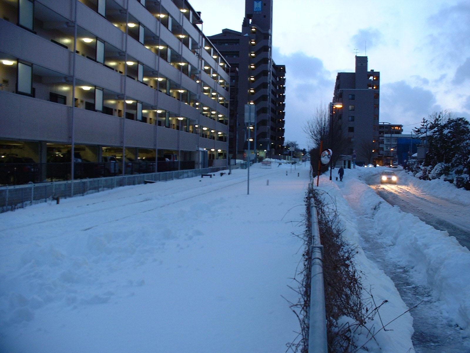 豪雪後の線路